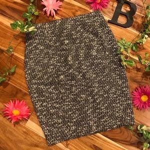 Ann Taylor Skirt size 4 Petite Black White Tweed